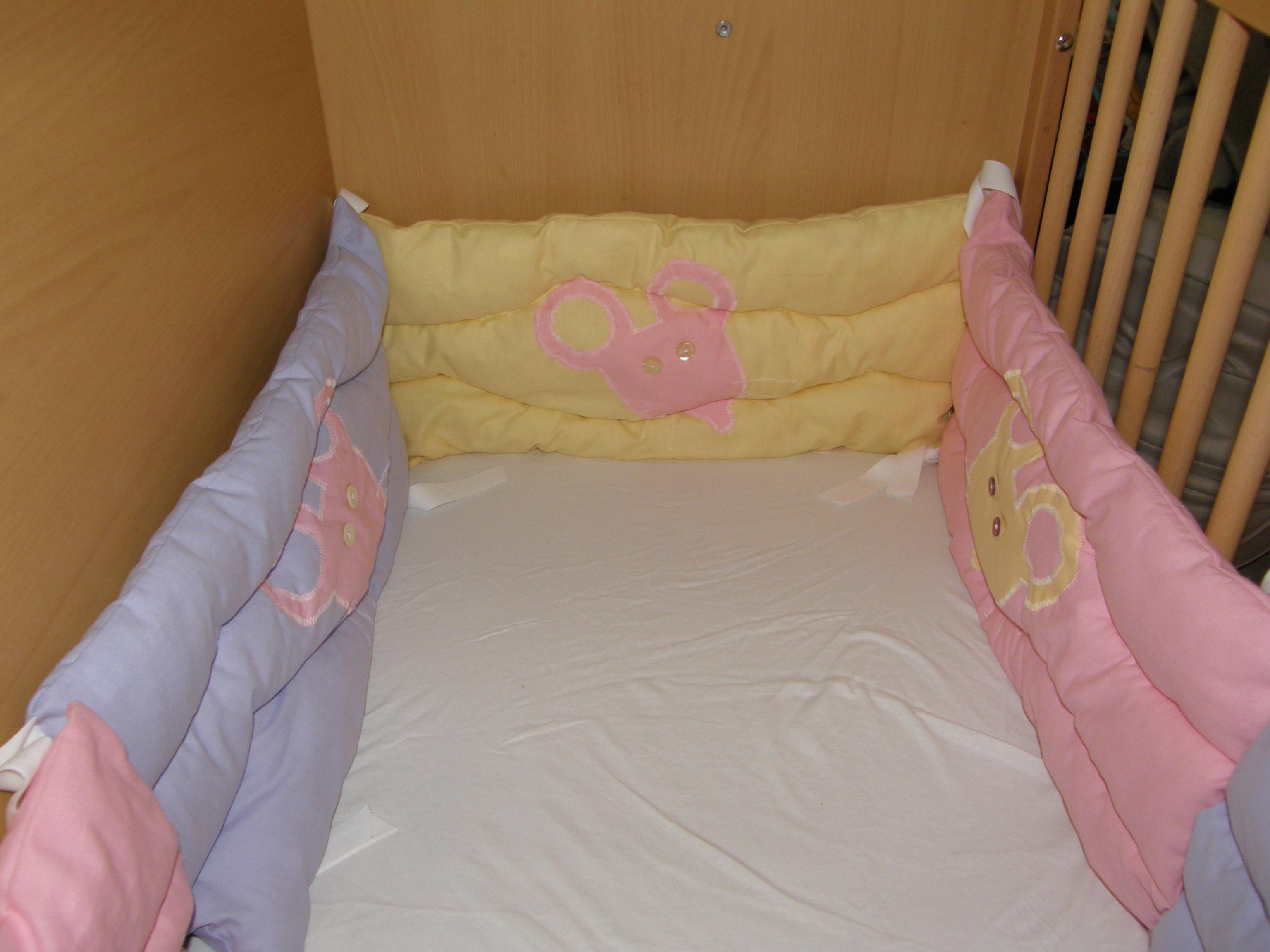 cherry s confection tour de lit souris. Black Bedroom Furniture Sets. Home Design Ideas